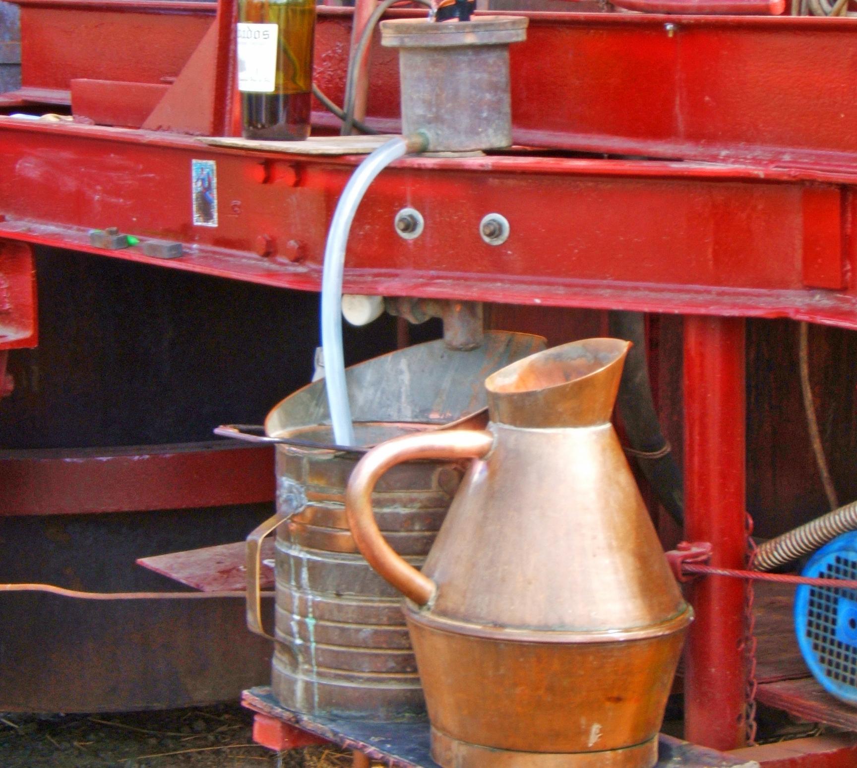 distillation_pommeau_pomme_normandie_alambic_france_homepage_produits